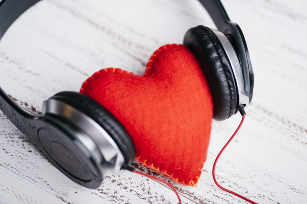 A música é poderosa pois imita os movimentos da alma