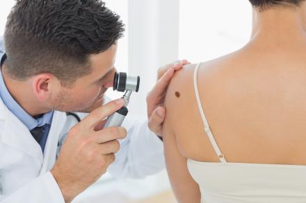 Pesquisadores americanos estudam produção de injeção capaz de tratar câncer de pele